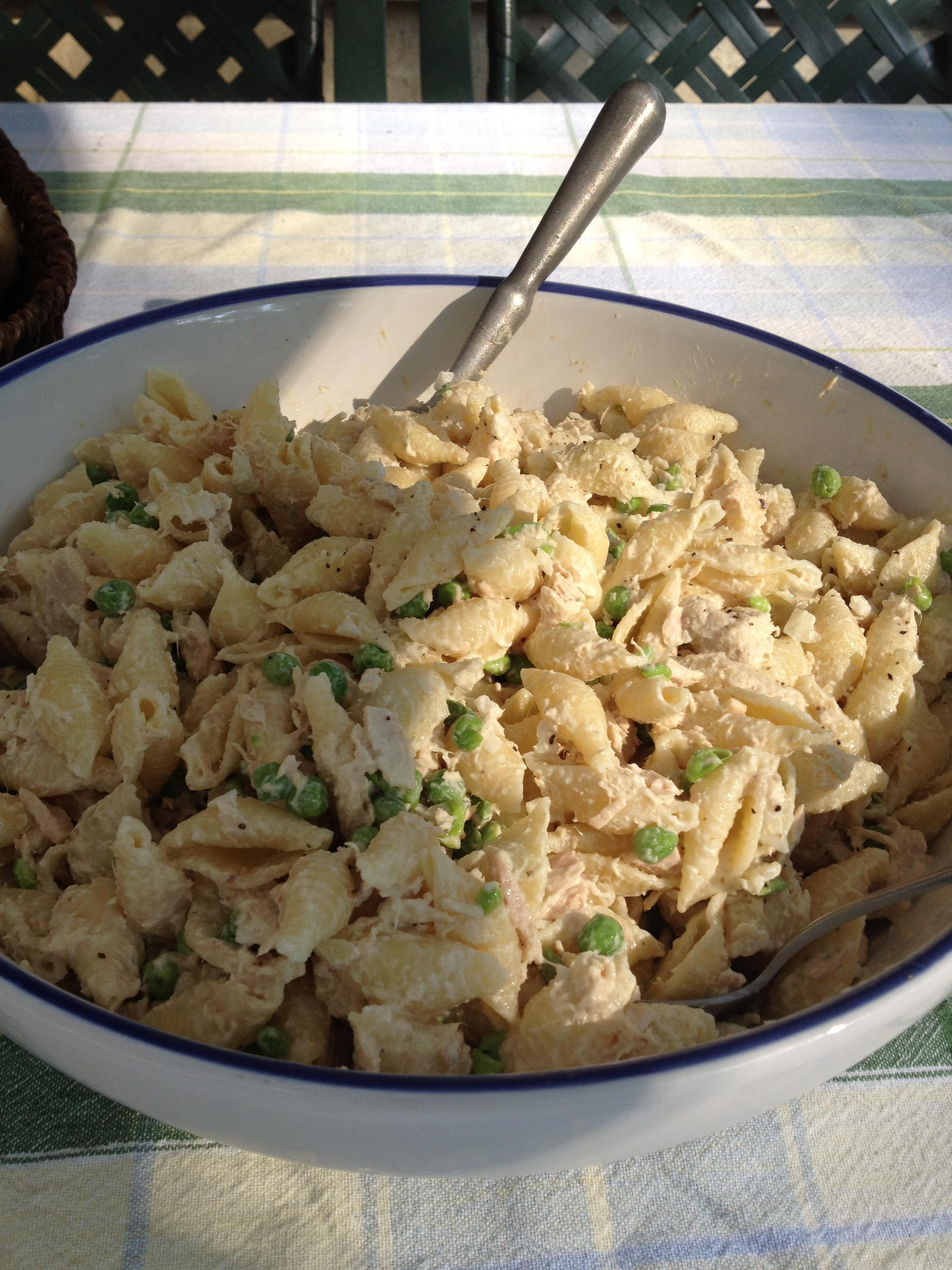 Picnic Tuna Pasta Salad — Recipes Hubs